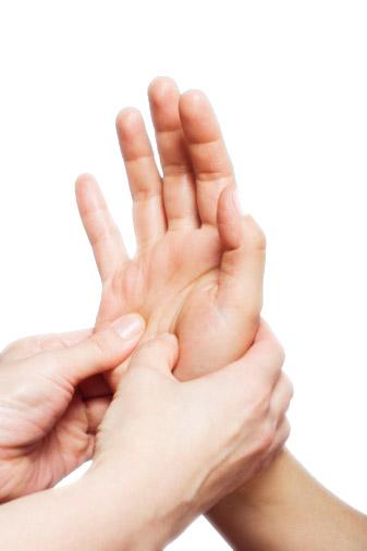 手足の震え